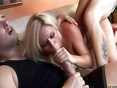 Badass blondīne, hq porn mugi tsutsui vai blowjob un saņem uz sejas cumshot