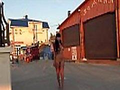 La desnudez pública en primera línea de mar