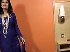 sexy films kanada alls babe rupali bhabhi boobs exposed