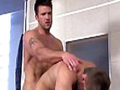 Pornstar fucks un cums