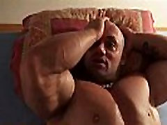 Realmuscle Bodybuilder Sexy Sleeping