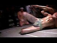 Amateur teen pledges wrestle