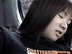 Azijos hot busty milf fucked bvr sėdi ant galinės sėdynės, automobilio. nuo http:alljapanese.net