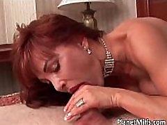 Kaval punapea milf naudib japnis silpeeg rep sex mängima