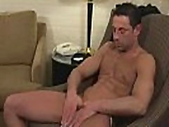 Hot xxx wanking muscle guy plays with cock
