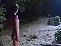 Nastassja Kinski - Cat People walking naked in woods
