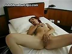 amateur girl masturbating and showing her ass
