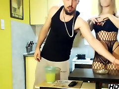 highclassxxx non-professional episode on 13115 20:04 from chaturbate