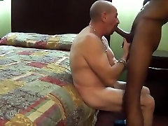 Deep throating a hung blk stud..