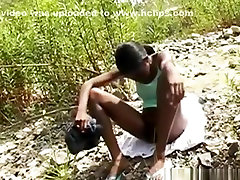 Black girl gets fucked and creampied in nature