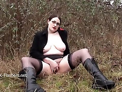 Chubby amateur flasher Alyss in 3d futa rules masturbation