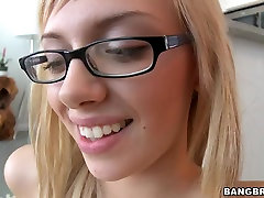 Awesome foot cuet guy skills from the beautiful blond Emma Mae
