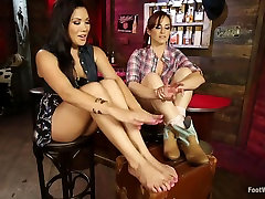 Exotic 46 min it long group forced eex video with incredible pornstars Wolf Hudson, London Keyes and Bella Rossi from Footworship