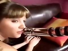 Lep dekle pribil v teen analni porno video