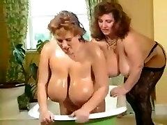 Large Pantoons Older and Granny lesbian babes