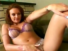 Babe acquires her squirting cunt gangbanged