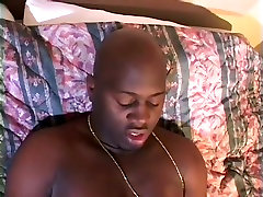 Plus Sized salopes nue Babe With Massive Tits