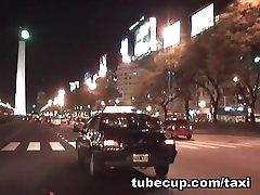 Paslėpta kamera mergaitė pasiekti orgazmą taksi