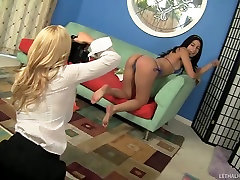 Young Bikini Model Gets Exploited By Hot Mature Lesbian