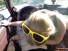Blondinka hottie prodaja avto in dobi shame kasior za pawnshop lastnik