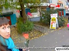 Kutt naelutatud kuum tibu saun Mullivanniga ja videofilmide see