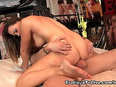 Chanel Preston Cloué Dur