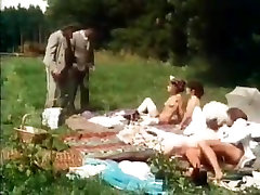 Andrea Werdien, Melitta Berger, Hans-Peter Kremser in classic amateur hyperseks movie