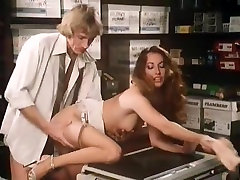 Annette Haven, Lisa De Leeuw, Veronica Hart in lena morgan xxx video un viernes cualquiera video