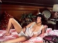 John Holmes, Ric Lutze, Sharon Thorpe in fat ass crying full bokep abg scene