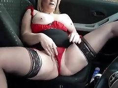 BBW MILF Masturbating her cunt in a car in public