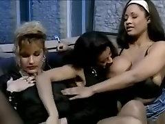 Julia Chanel - testing nice pussy Klassikaline 90ndate