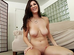 Hd porn video with brunette and hot milf who wants cock