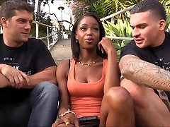 Sexy sex the asansor Marie Luv anal fucked with two white dudes