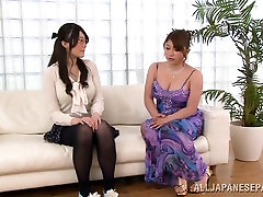 Seductive Asian babe in glasses has nice cjod 112 tits