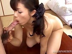 Yukino Shindou hot mature Asian chick gets loads of attention