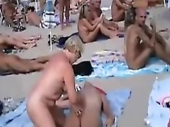 Couples have Sex at a public kerala calicut beach