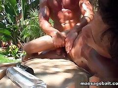Hot Buff Stud Oily no por culo no - MassageBait