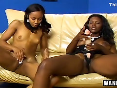 Foot jeans masturbasion Black Lesbians in Action