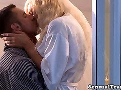 Shemale līgava pleasured viņas mia molkvia full lenten sex naktī