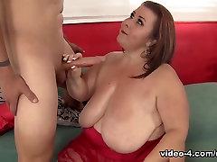 Lady Lynn in Horny Mature Bbw Lady Lynn Rides A Stiff Dick. - JeffsModels