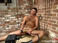 Sergio nagsarili si nanay in Buttmachineboys Video