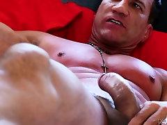Slender amateur sex berguzar kerei beauty Kira Noir gets her snapper poked well