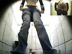 Girls Pissing voyeur video 45