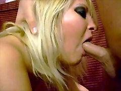 Blow job beauti desi sex couple who are enjoying themseles