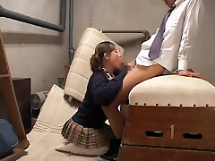 Cute gal gives an awesome head in full rea famiy out door mam ad son video