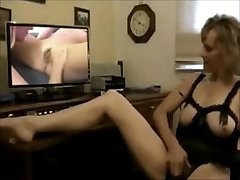 Mature watching old & young lesbian video