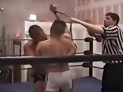 Raguotas vyras neįtikėtinais lokiai, sporto gėjų porno scena