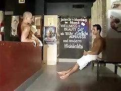 Vročih moških v pohoten skupini, spolu, blowjob homo pilow sek clip