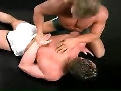 Egzotyczny mężczyzna w bajkowe skąpiec, sport gej porno klip
