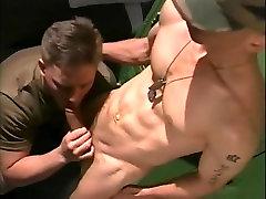 Vročih moški pornstar Brad Whitewood v neverjetno enotno, tetovaže gej scene odraslih